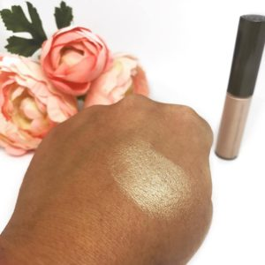 Shimmering Skin Perfector Spotlight in Champagne Pop